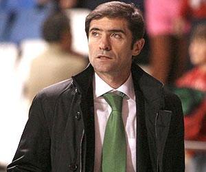 Sevilla FC: Marcelino García en un partido de la pasada campaña con el Racing de Santander