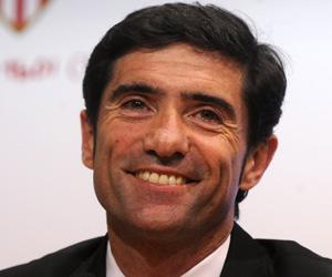 Sevilla FC: Marcelino sonríe durante la rueda de prensa de su presentación