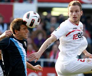 Sevilla FC: El Sevilla se une a Español y Celta como equipos a los que viste Li-Ning
