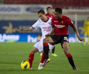 Fernando Navarro, en un partido ante el Mallorca