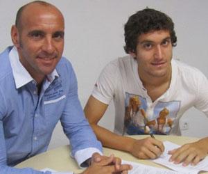 Sevilla: Campaña, junto a Monchi, firma su nuevo contrato