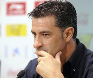 Sevilla: Míchel aboga por pensar en el duelo ante el Racing