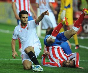 Sevilla: Spahic, baja ante el Racing de Santander