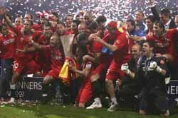 Sevilla FC: el equipo, tras ganar la segunda Copa de la UEFA