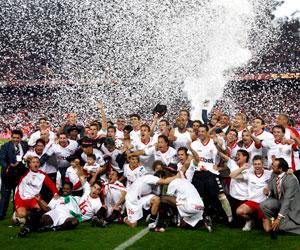 La Copa del Rey conquistada en 2010 ha pesado en la decisión de otorgarle el premio