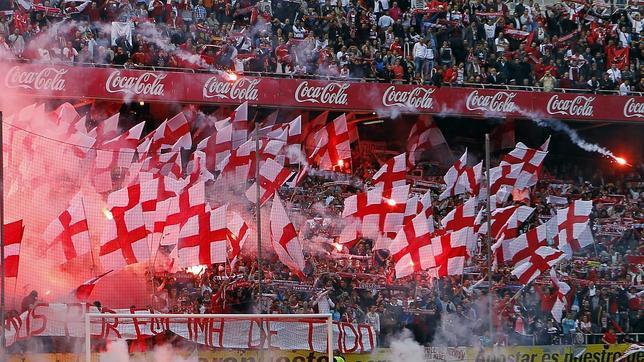 Imagen del Gol Norte del Sánchez-Pizjuán en un partido