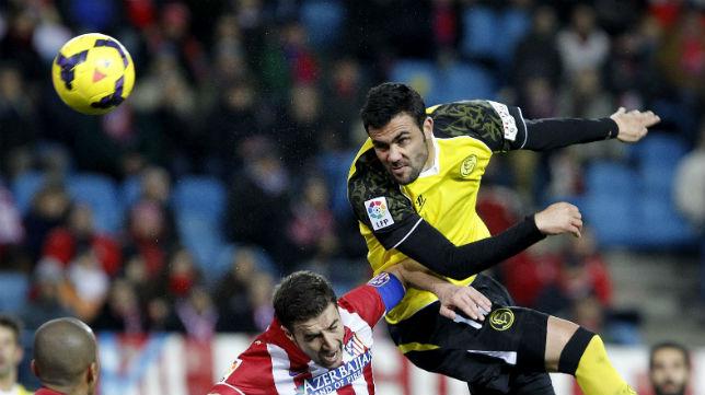 Iborra, en una acción del choque ante el Atlético en el Calderón