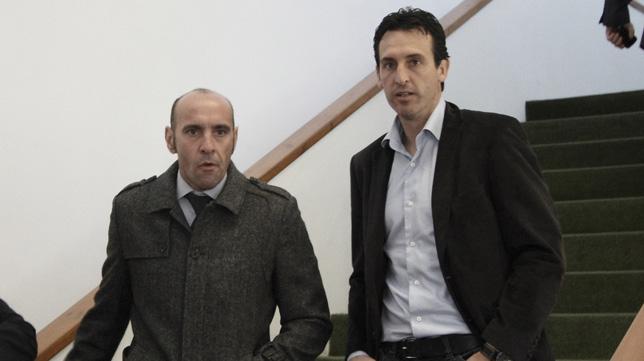 Monchi y Emery durante un acto del club