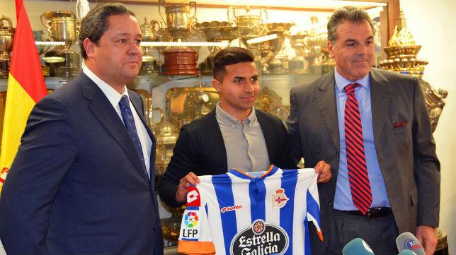 Rabello, en la presentación con el Deportivo