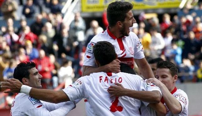 Los jugadores del Sevilla celebran uno de los goles marcados al Getafe