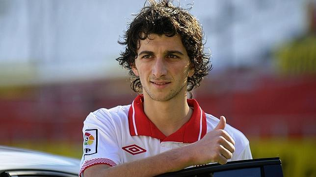 El bosnio, en su presentación con el Sevilla FC
