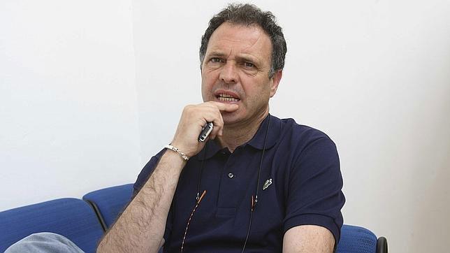 Joaquín Caparrós durante una entrevista