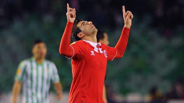 Reyes celebra el 0-1 en el derbi de la Europa League en el Benito Villamarín
