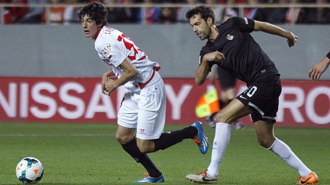 Carlos Fernández, en un instante del partido ante la Real