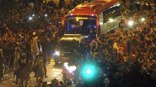 El sevillismo llevará en volandas al autocar del equipo hacia el estadio