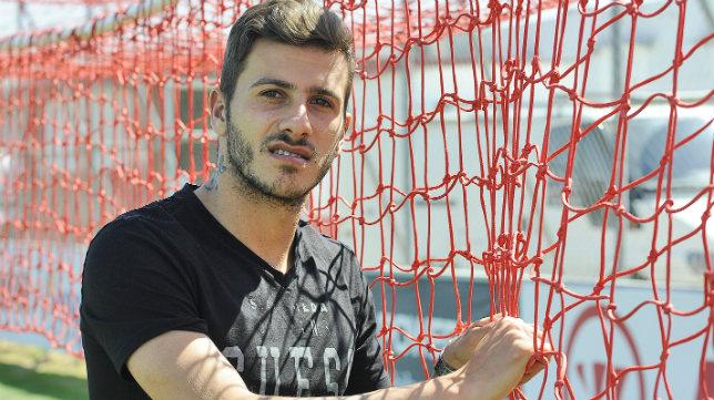 Diogo posa para ABC en una entrevista. Foto: Jesús Spínola