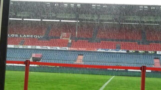 Aspecto del estadio rojillo a primera hora del domingo