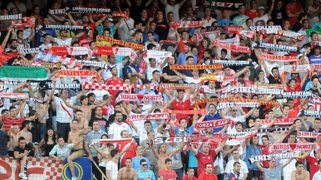 La afición del Sevilla, en un partido en Nervión