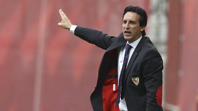 Emery dando instrucciones en un instante del partido ante el Athletic de la pasada temporada