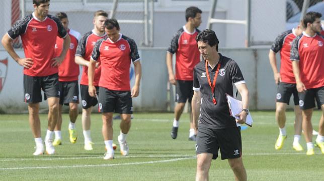 Emery en un entrenamiento reciente con el Sevilla