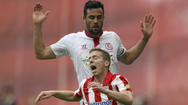 Iborra, junto a Muniain, en el Athletic-Sevilla