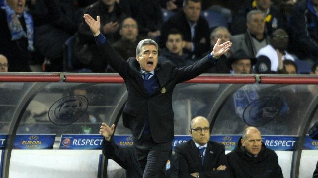 El técnico del Oporto, durante el choque de ida ante el Sevilla FC