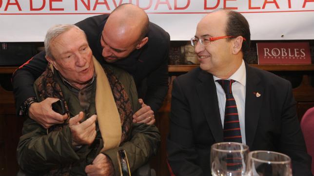 Alés, Monchi y Castro en la última comida de Navidad del club