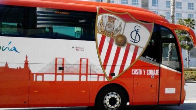 Imagen del autobús del Sevilla FC