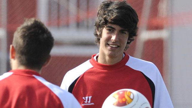Carlos Fernández, en un entrenamiento del Sevilla FC. FOTO: J.J. Úbeda
