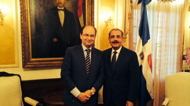 José Castro, junto al presidente de la República Dominicana, Danilo Medina