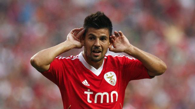 Nolito, con la camiseta del Benfica