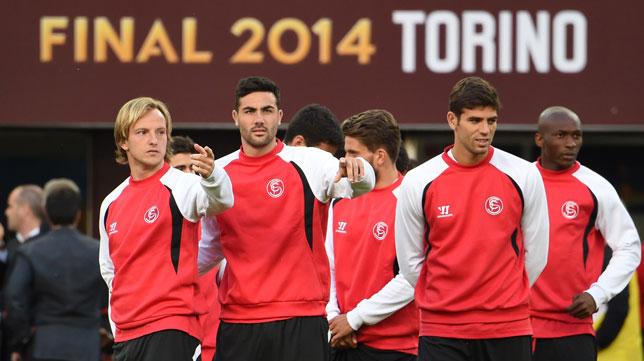 Rakitic, junto a Iborra, Fazio y Mbia, en el entrenamiento en el Juventus Stadium