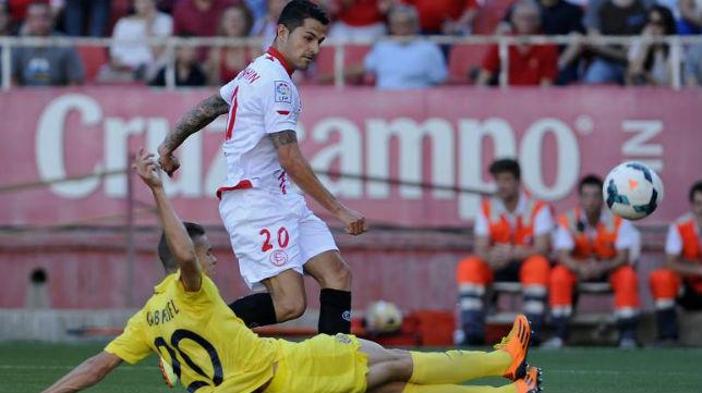 Vitolo, en una acción del partido ante el Villarreal