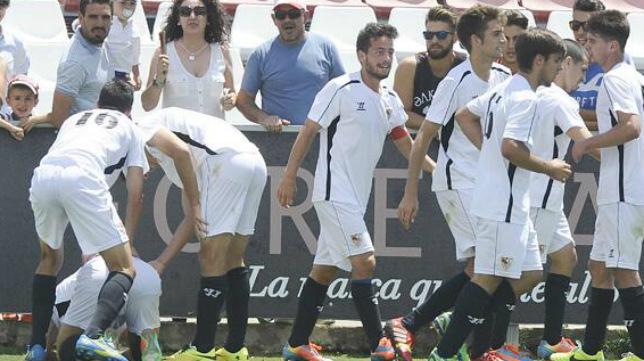 Los hombres de Agustín López celebran un gol (Foto: SFC)