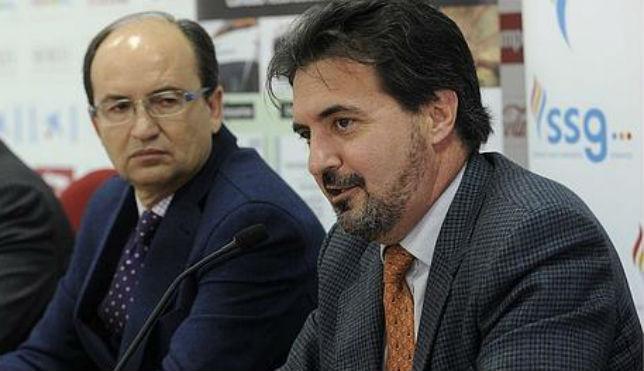 José Naranjo, a la derecha, junto a José Castro