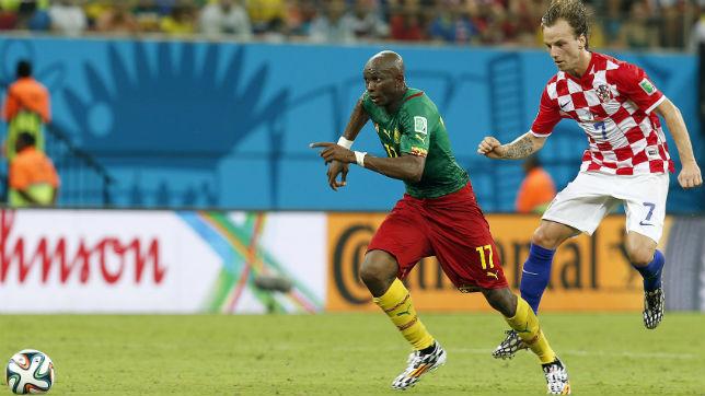 Mbia, en un partido con Camerún en el Mundial de Brasil