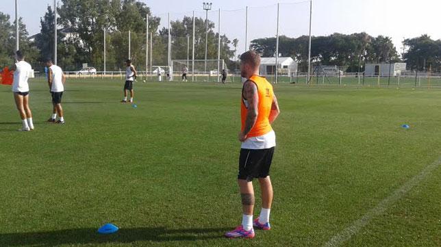 Alberto, en el entrenamiento de este jueves por la tarde en Costa Ballena