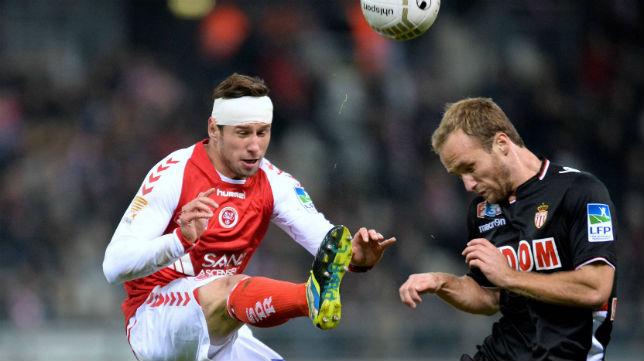 Krychowiak en un partido con el Stade de Reims