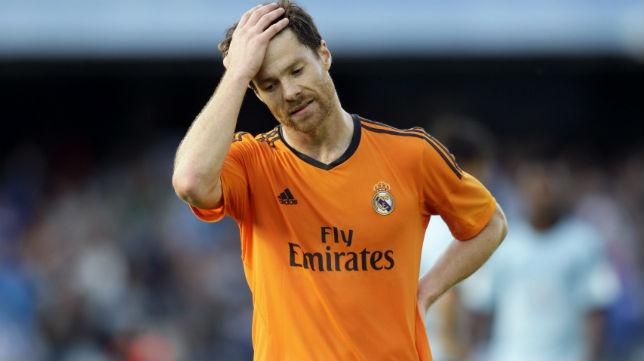 Xabi Alonso se lamenta en un partido de la pasada temporada
