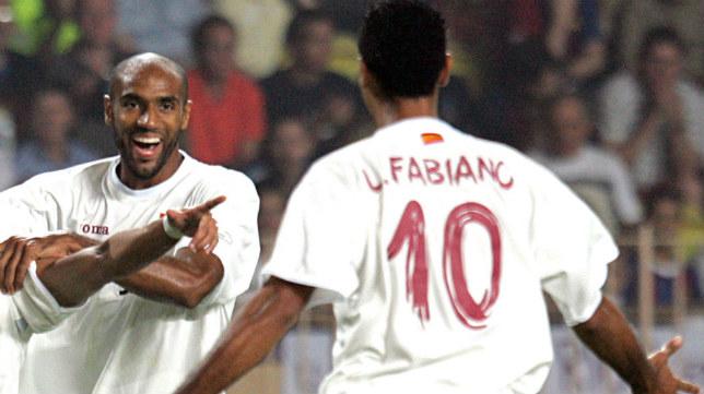 Kanouté y Luis Fabiano, en la final de Mónaco ante el Barcelona