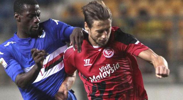 Krychowiak durante el encuentro ante la Sampdoria en el Trofeo Carranza