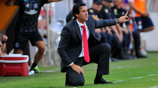 Emery da instrucciones en un momento del partido ante el Getafe de la temporada pasada