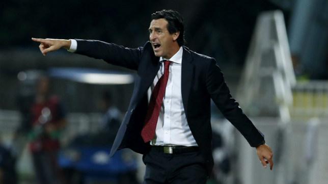 Emery da instrucciones durante el Rijeka-Sevilla