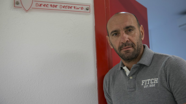 Monchi, en la puerta de su despacho en el Sánchez-Pizjuán