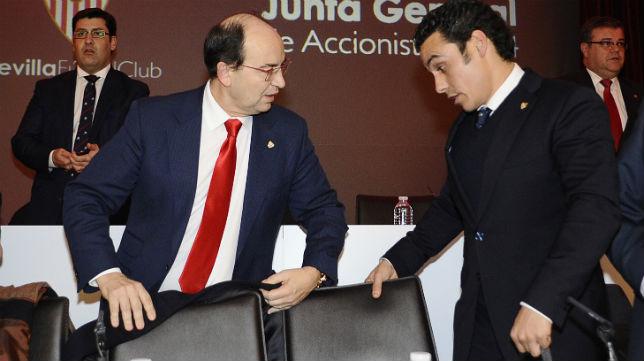 Castro y José María Del Nido Carrasco, en la junta del Sevilla 2014 (Foto: Jesús Spinola)