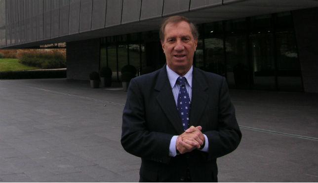 Bilardo, en la sede de la FIFA