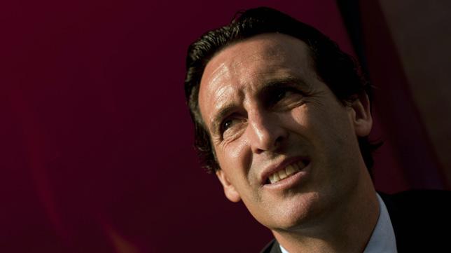 Unai Emery, durante el Almería-Sevilla en el banquillo