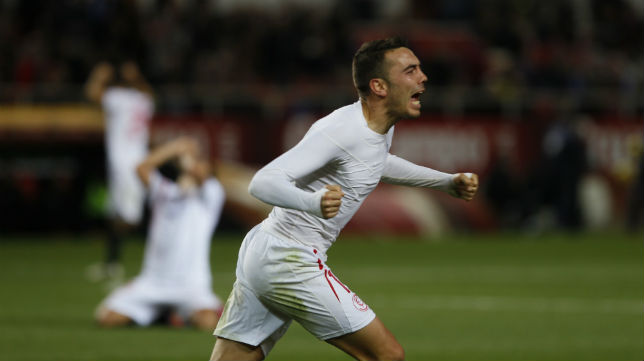 Aspas celebra el gol en el Sevilla-Español (Foto: J. M. Serrano)
