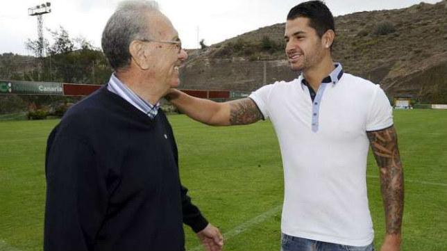 Germán Dévora, con Vitolo (Foto: Canarias7)