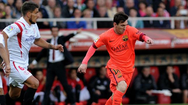 Carriço persigue a Messi en el partido jugado en Nervión